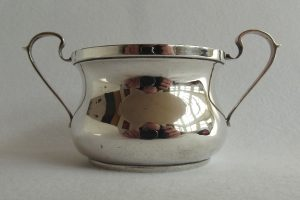Two-handed porringer